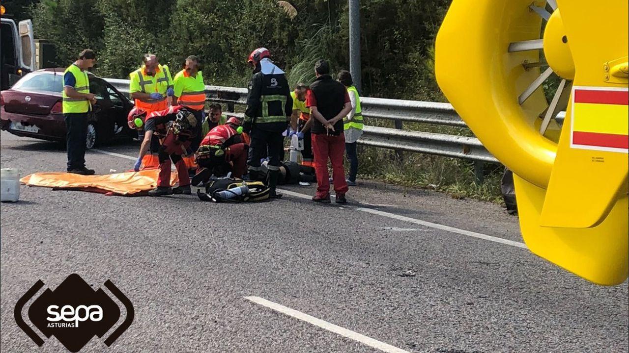 Dos personas resultan heridas en una colisión entre dos turismos en Cadavedo (Valdés)