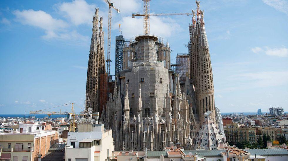 Tarjeta Barcelona Solidària, en la que se inspìra la tarjeta social propuesta por IU
