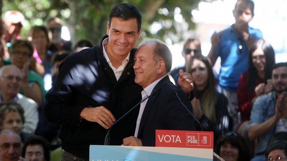 Soria cuenta en sus memorias inéditas que dimitió por las amenazas de Montoro.Representantes del UGT y CCOO junto a diputados socialistas en el Congreso