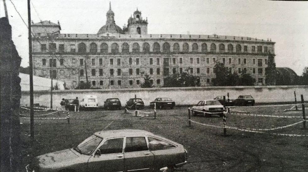 Terrenos de la antigua huerta de los escolapios en 1991, antes de comenzar la construcción del Parque dos Condes