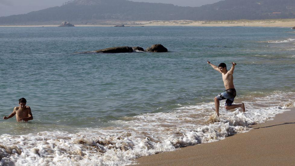 O Vilar. El conocido arenal de Ribeira requiere prudencia a la hora del baño