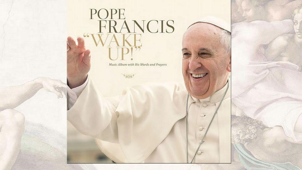 Locura en Polonia por el papa Francisco.Las colas fueron habituales durante todo el 2004.