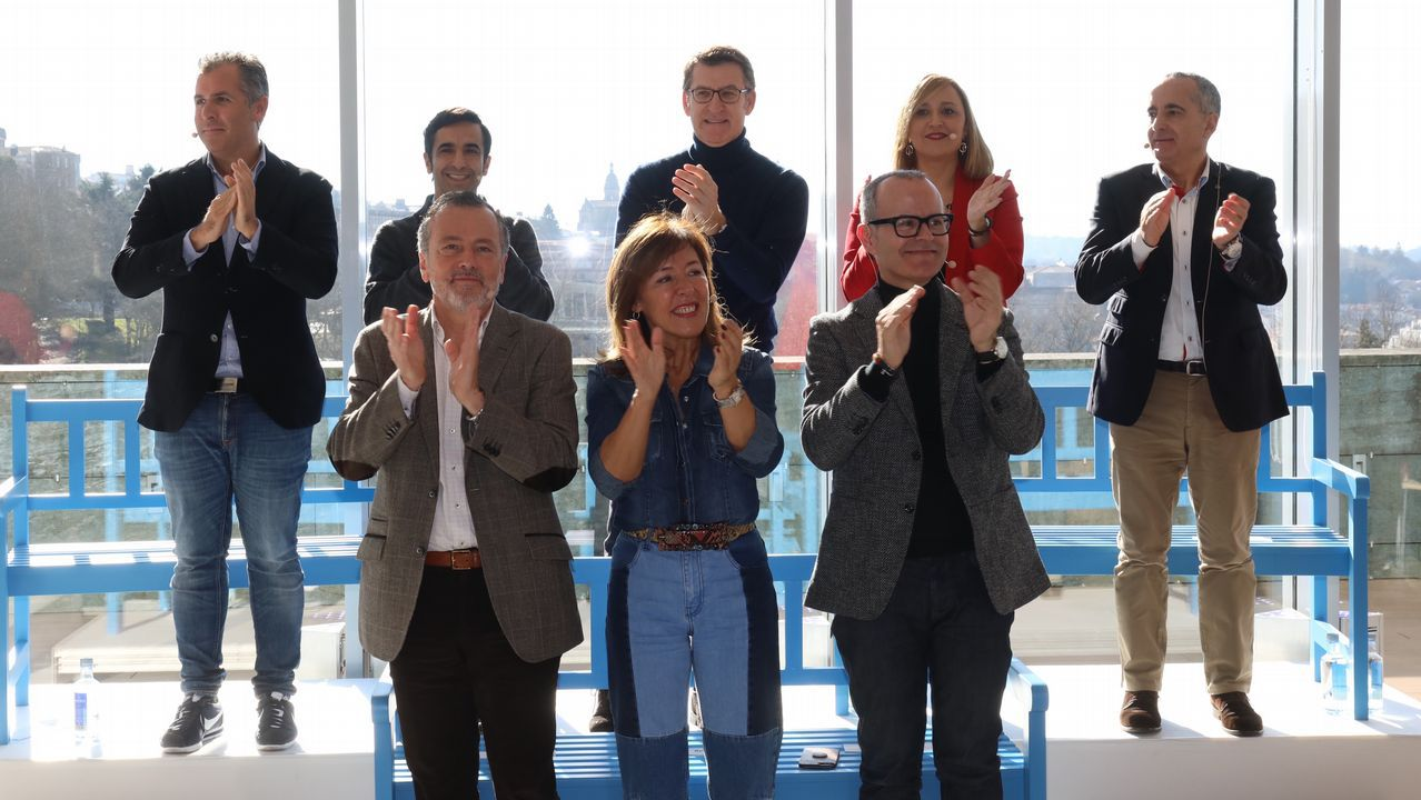 Presentación de los candidatos a alcaldes del PP en las 7 ciudades.El presidente Núñez Feijoo durante una intervención en Santiago