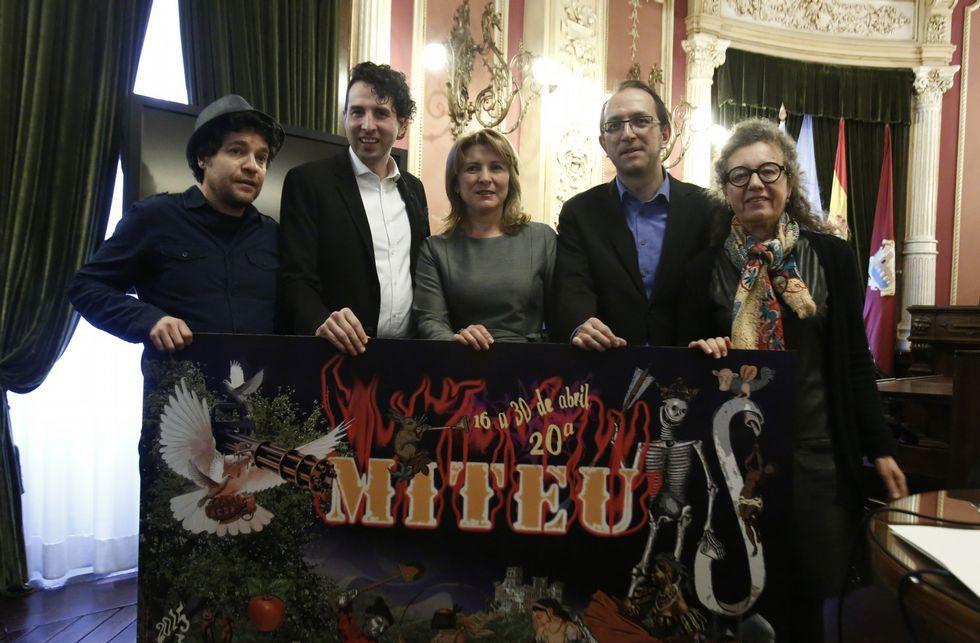 .Dacosta, Virxilio Rodríguez, Olga Mojón, Anxo Lorenzo e Ana Garrido na presentación da mostra.