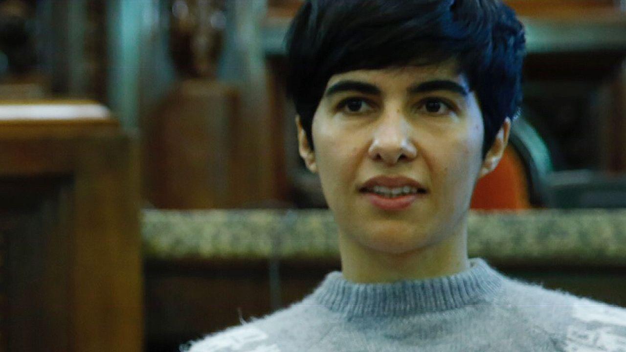 Basura sin recoger en las calles de A Coruña.debate de portavoces en Radio Voz