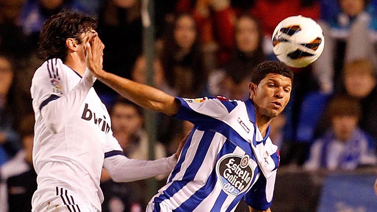 Temporada 2012/13 En un mes de enero con el equipo en descenso y con la llegada de Domingos Paciencia, el Dépor firma a Kaká, Silvio y Paulo Assunçao. Solamente el carrilero portugués será habitual en el once.