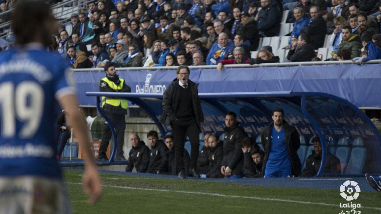 Gol Carlos Hernandez Real Oviedo Cadiz Carlos Tartiere.Juan Antonio Anquela en el Oviedo-Cádiz