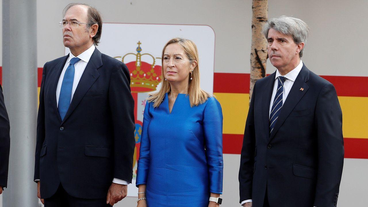 Desfile del Dia de la Fiesta Nacional: Ana Pastro, Pío Garcia-Escudero y Ángel Garrido