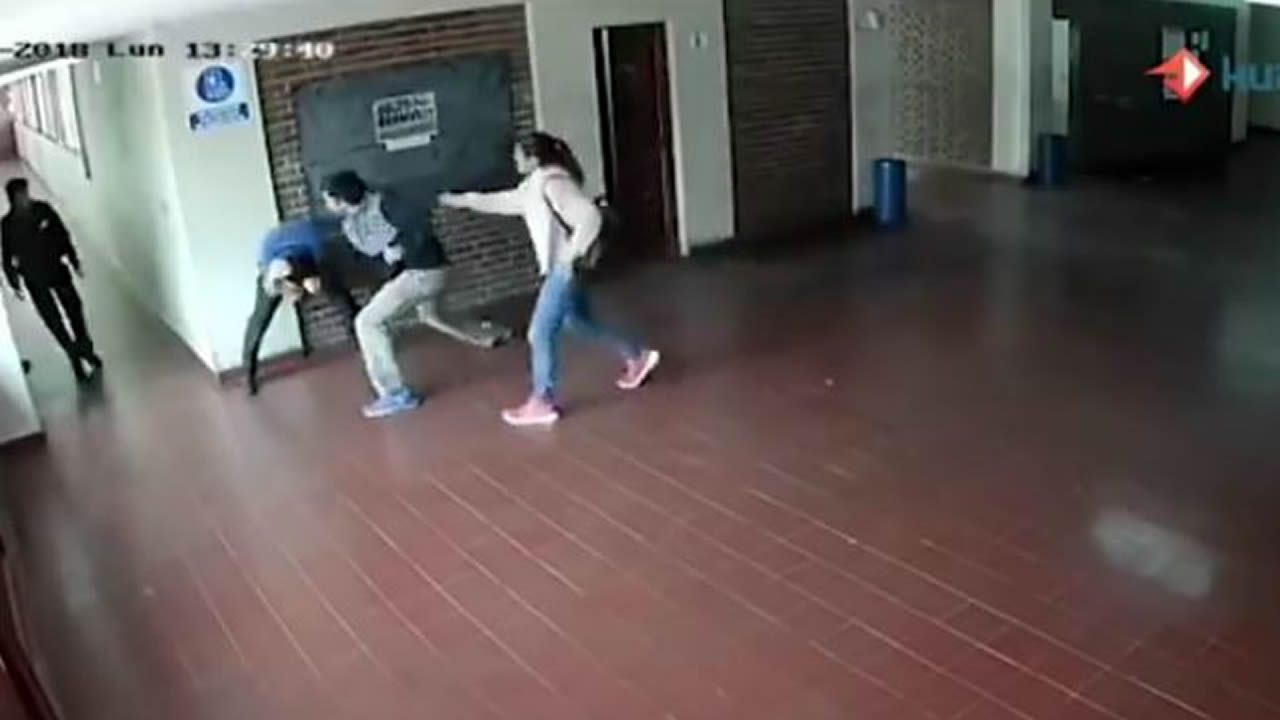 Paliza de un padre al profesor de su hija