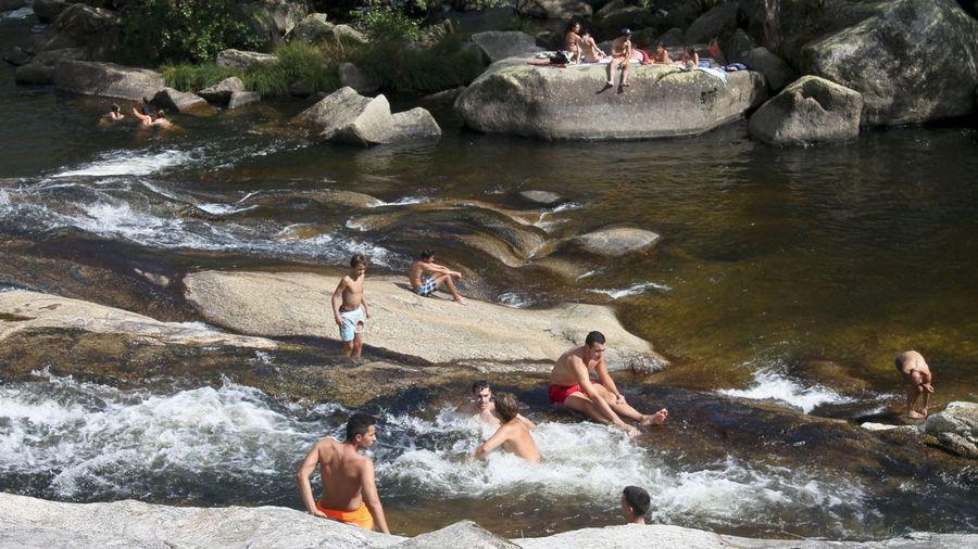 La fervenza de Segade y sus toboganes naturales formarán parte de una playa fluvial