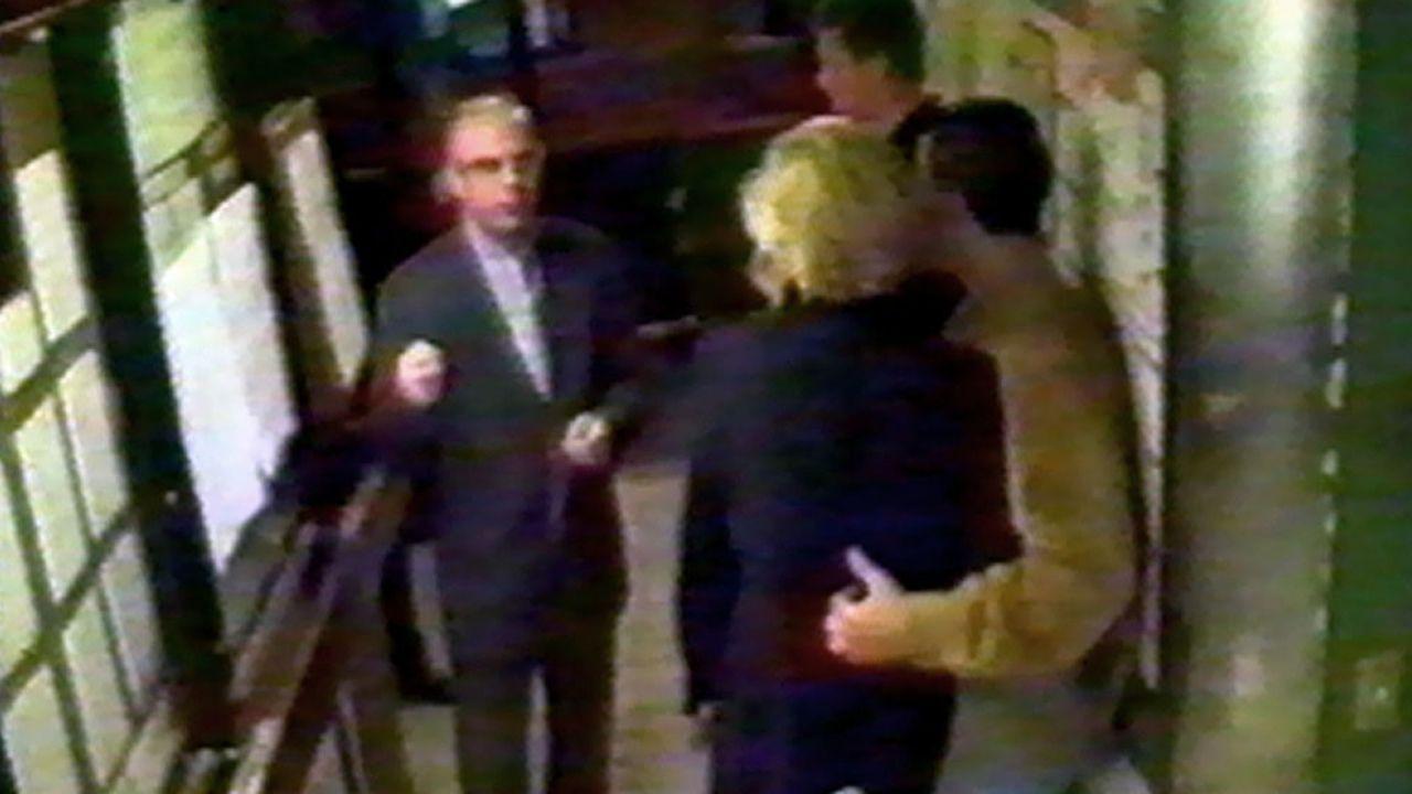Esta es una de las últimas fotografías de Diana y Dodi Al-Fayed antes del trágico accidente.