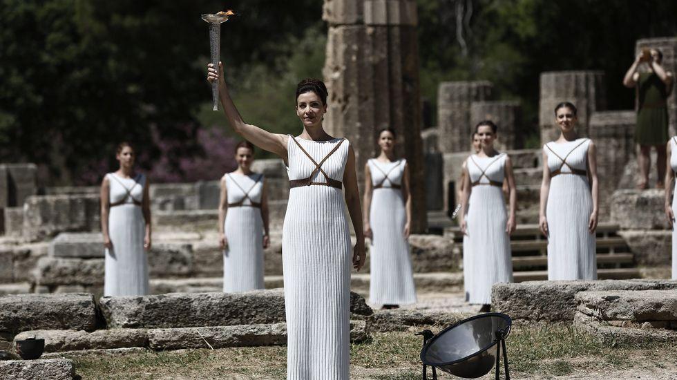 El ensayo del encendido de la llama olímpica, en imágenes