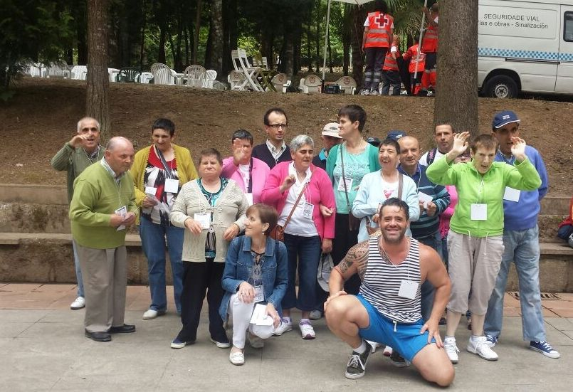Usuarios de la residencia San Pablo de Mondoñedo viajaron a O Carballiño.