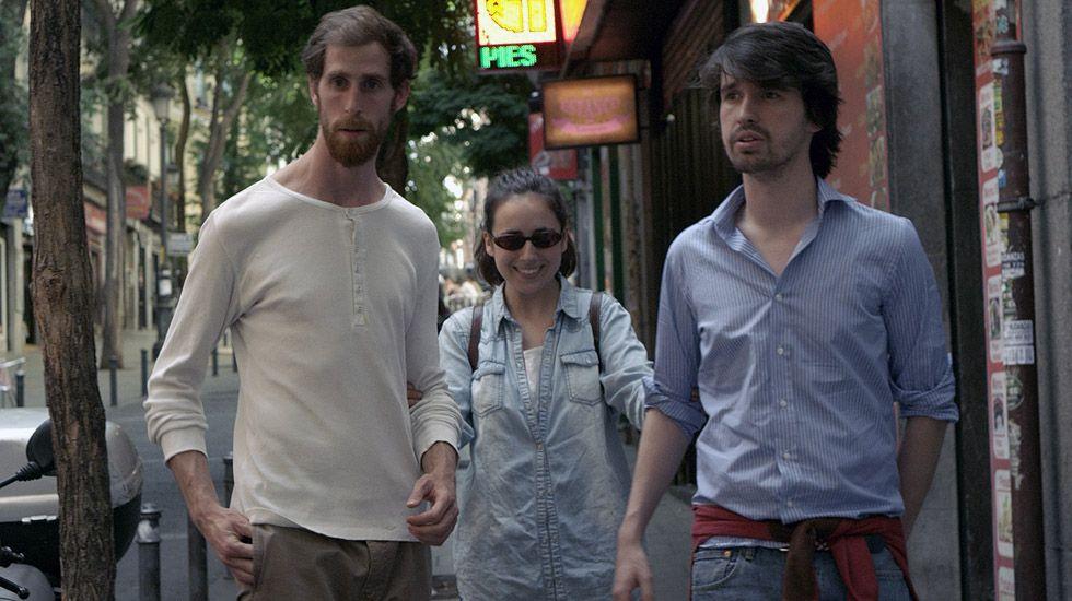 Santiago Alverú con Macarena Sanz y Javier Carramiñana, en una escena de la película «Selfie».Santiago Alverú con Macarena Sanz y Javier Carramiñana, en una escena de la película «Selfie»