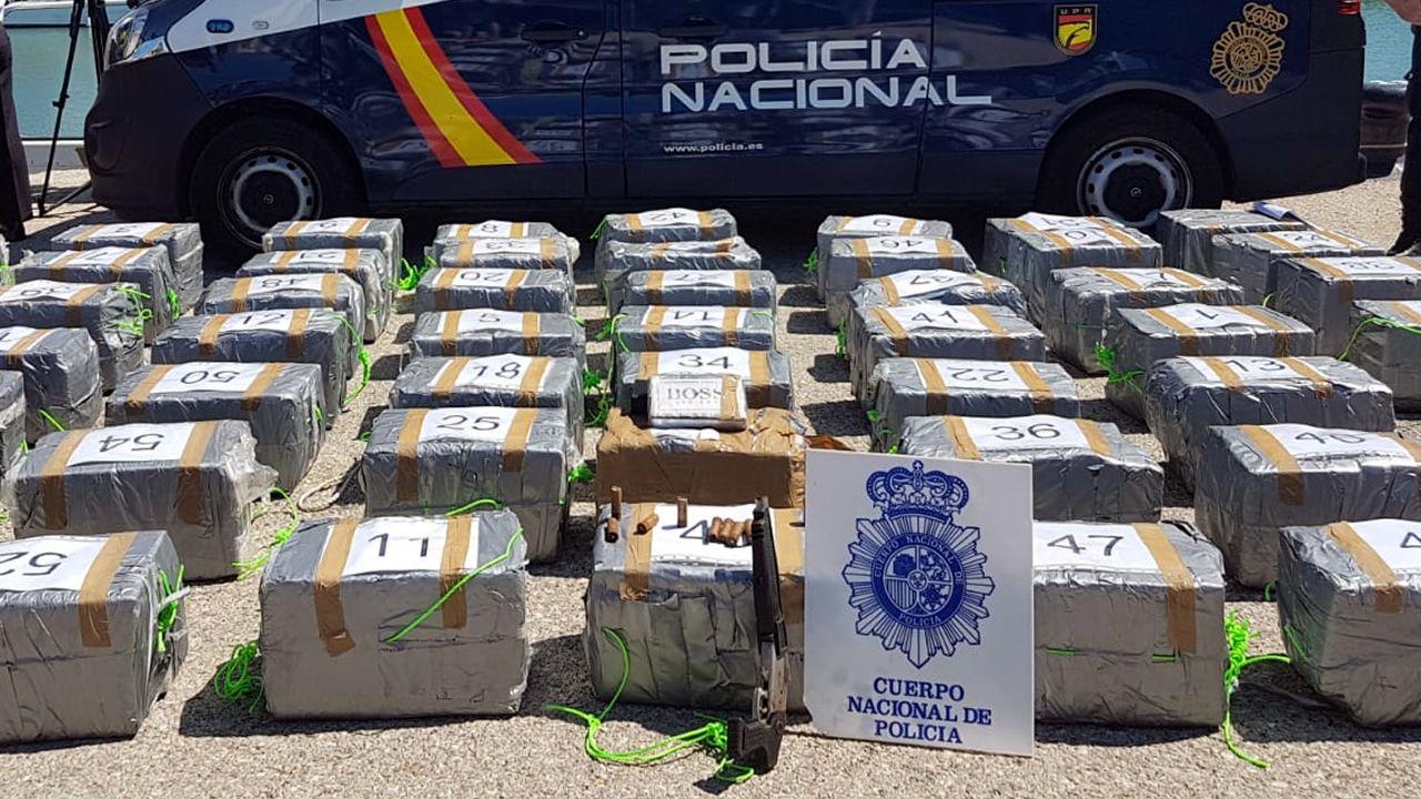 Requisan 1.500 kilos de cocaína cerca de las Azores en un velero con destino a Galicia.Ares exige el mismo salario que los Mossos y la Ertzaintza