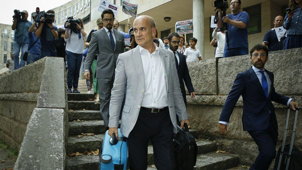 La fiscal a avala el cierre de la instrucci n de angrois con los dos nicos investigados - Cierres de fincas en galicia ...