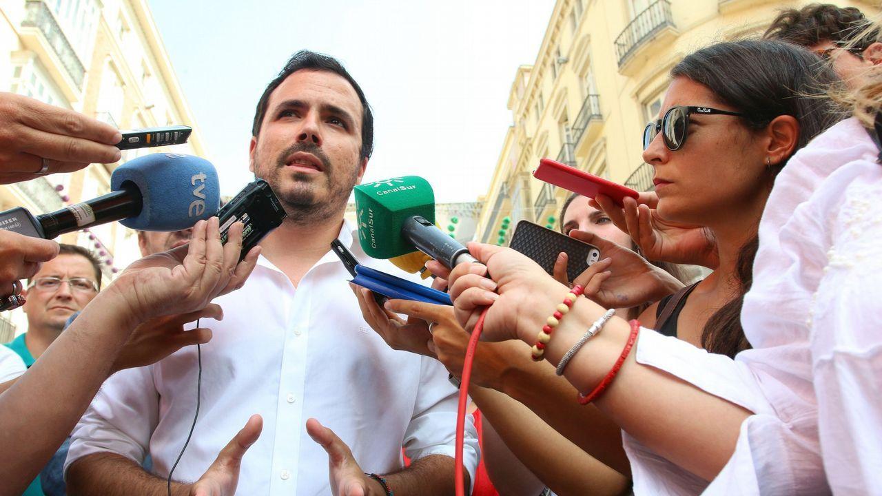 Díaz Ayuso propone que «el concebido no nacido» sea considerado como un miembro de la unidad familiar.Abascal (izquierda), junto a Ortega Smith y Rocío Monasterio