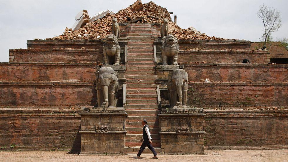 Uno de los templos derrumbados.