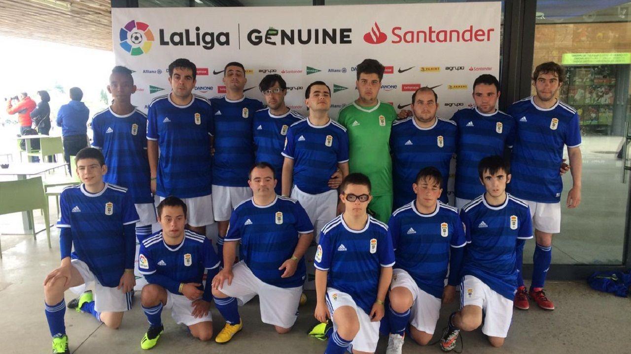 Foto de equipo del Real Oviedo Genuine