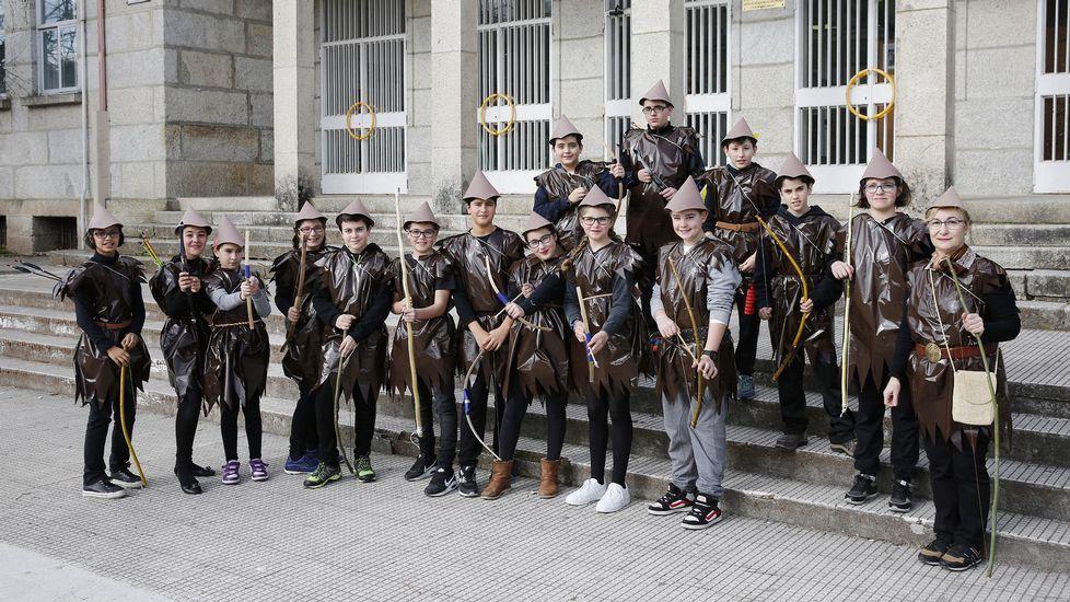 Desfile de entroido en Celanova.Los alumnos del Tomás de Lemos de Ribadavia salieron de desfile