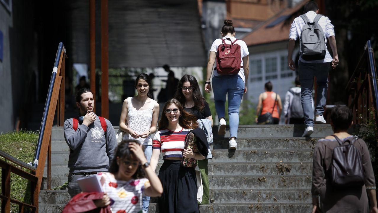 Acto político de En Marea en Santiago, con Luís Villares y Mónica Oltra