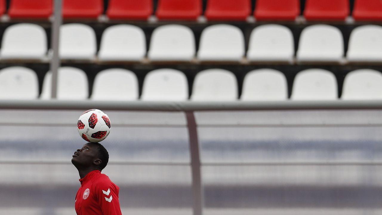Juan Mata Manchester United Real Oviedo.Centro de apuestas de Lagos, Nigeria, durante la Copa del Mundo