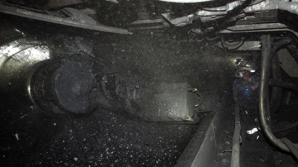 Preparando la salida de la prueba.Interior del Pozo Sotón