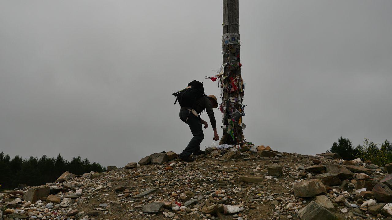 La cruz de Fierro, entre Foncebadón y Manjarín, en León