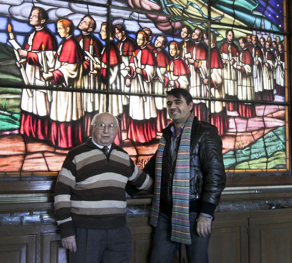 Las curiosas preguntas del Papa a Ronaldinho.Los protagonistas dan muestras de una gran empatía pese a la diferencia de edad.
