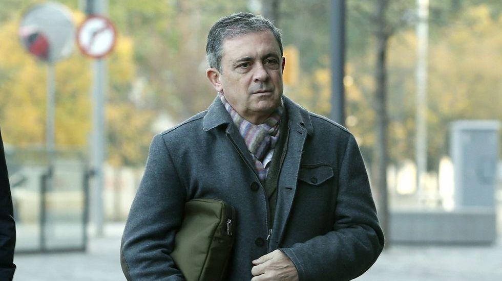 Pujol reitera que el origen de su fortuna se debe a una herencia familiar.Beiras y Antón Sánchez, en una rueda de prensa en Santiago