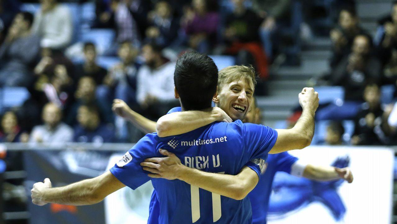 Imágenes del partido entre el Santiago Futsal y el Levante.
