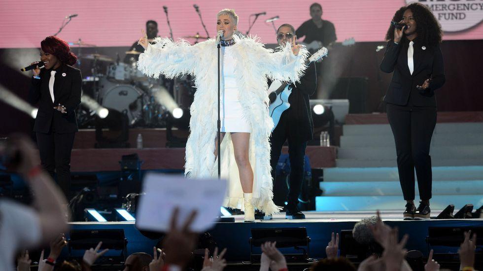 Katy Perry durante su actuación