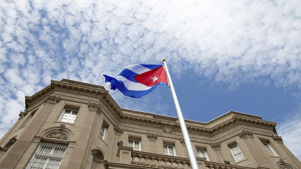 La embajada de Cuba en Washington abre sus puertas.