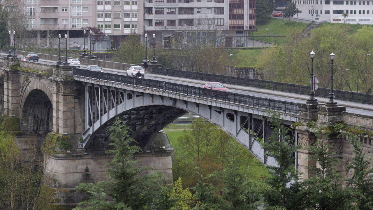 Más de 400 ciclistas se reúnen en los túneles de la N-630, a la altura de Riosa, para exigir más seguridad en las carreteras.Reproducción de un neandertal del Museo de Düsseldorf