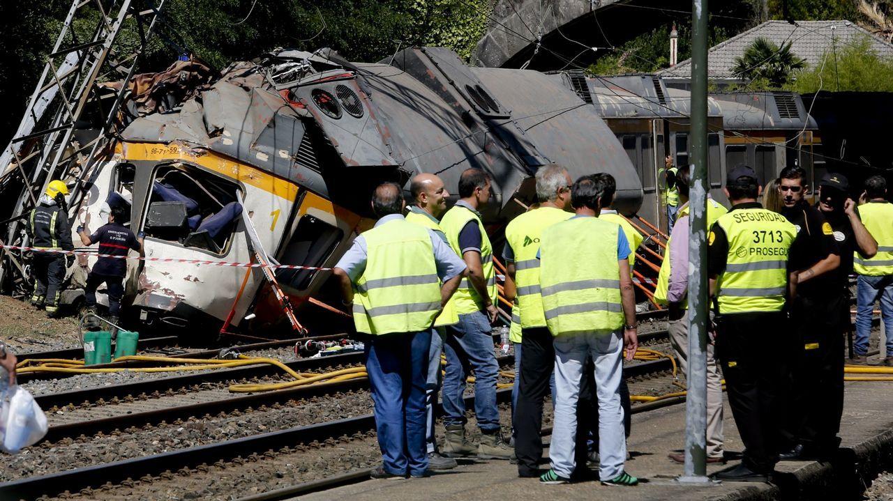 Imagen del estado en el que quedó el tren tras el descarrilamiento