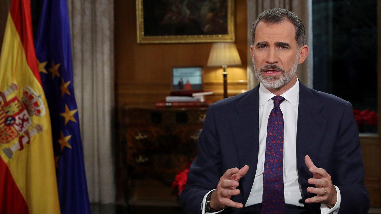 El rey advierte de la fragilidad de la convivencia en España.La familia Real en los Lagos de Covadonga