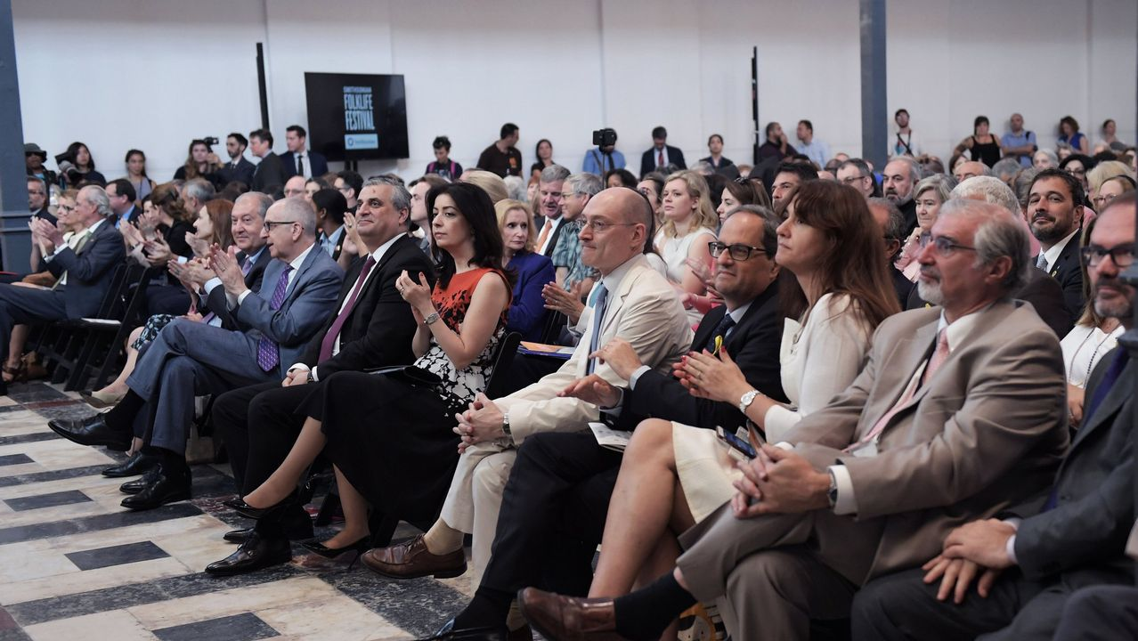 .La Fundación Smithsonian sentó separadas por la delegación armenia a los representantes catalanes y Pedro Morenés