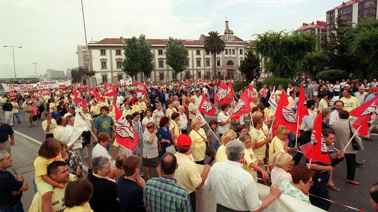 Inundaciones en A Coruña.José Manuel Balbuena, Lucía Peláez, Ramón Alvargonzález y Amadéu Benavente en el Ateneo Obrero de Gijón