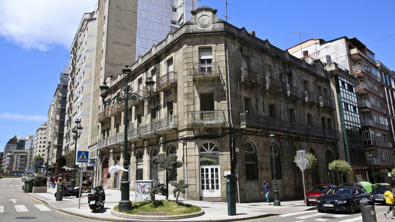 La federación vecinal logra aplazar el desahucio de un piso de renta antigua