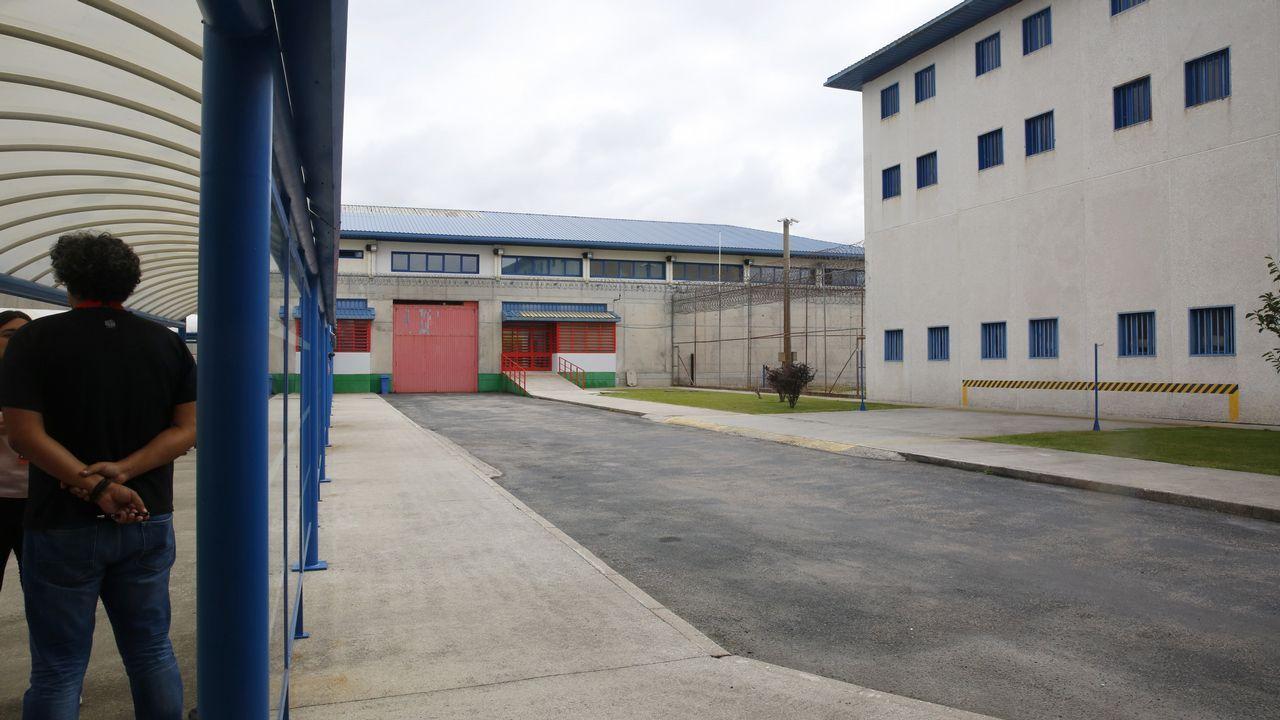 Los funcionarios penitenciarios cortan los accesos a la prisión de A Lama