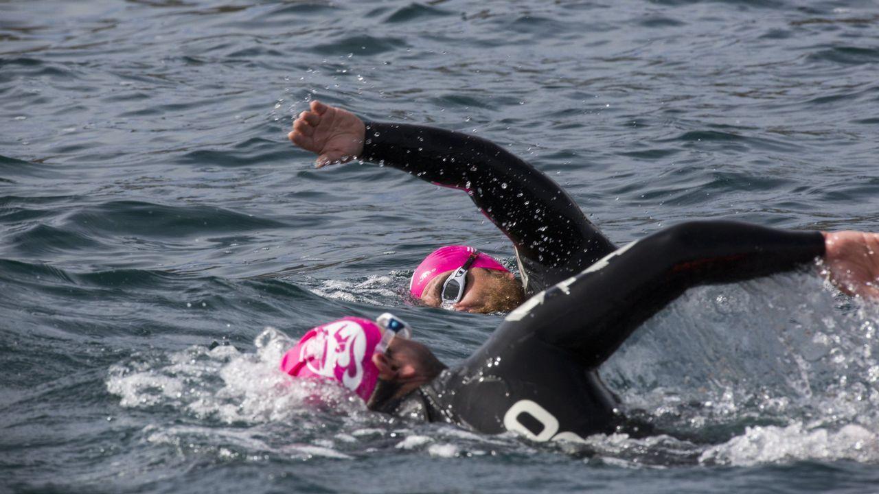 El estado del mar podría retrasar al domingo la llegada de los migrantes. Integrantes del barco Aquarius