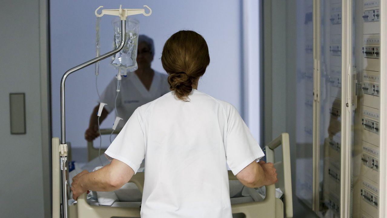 Agresiones, insultos y amenazas en la consulta del médico.Inés, con su hijo Nicolás, que está deseando que nazca su hermanita