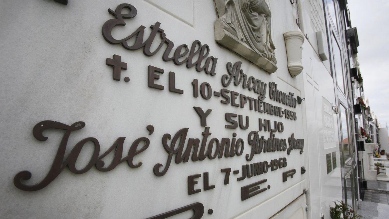 Lápida de la tumpa de José Antonio Pardines Arcay