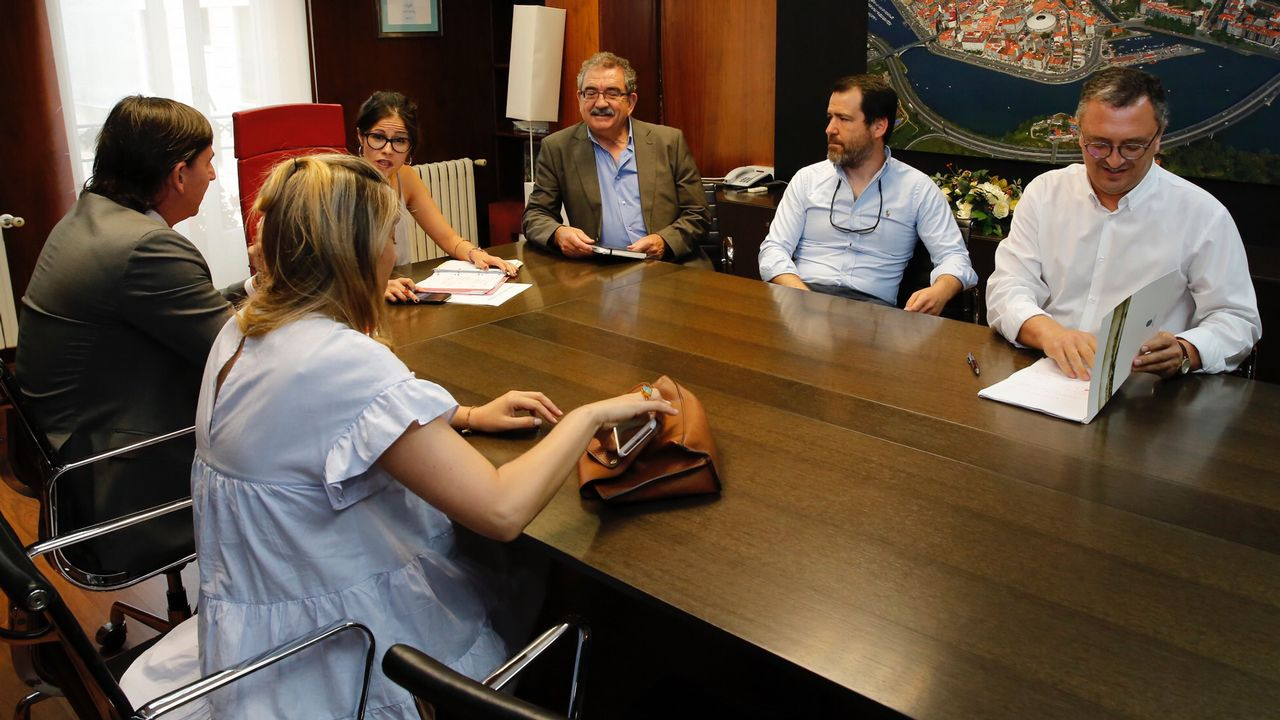 La Asociación de Jóvenes Empresarios (AJE), con su presidente, Ignacio Calviño, a la cabeza, celebró su día en la feria