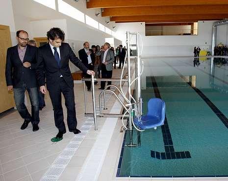 La piscina municipal de teo roza los tres mil usuarios y for Piscina 29 de abril telefono