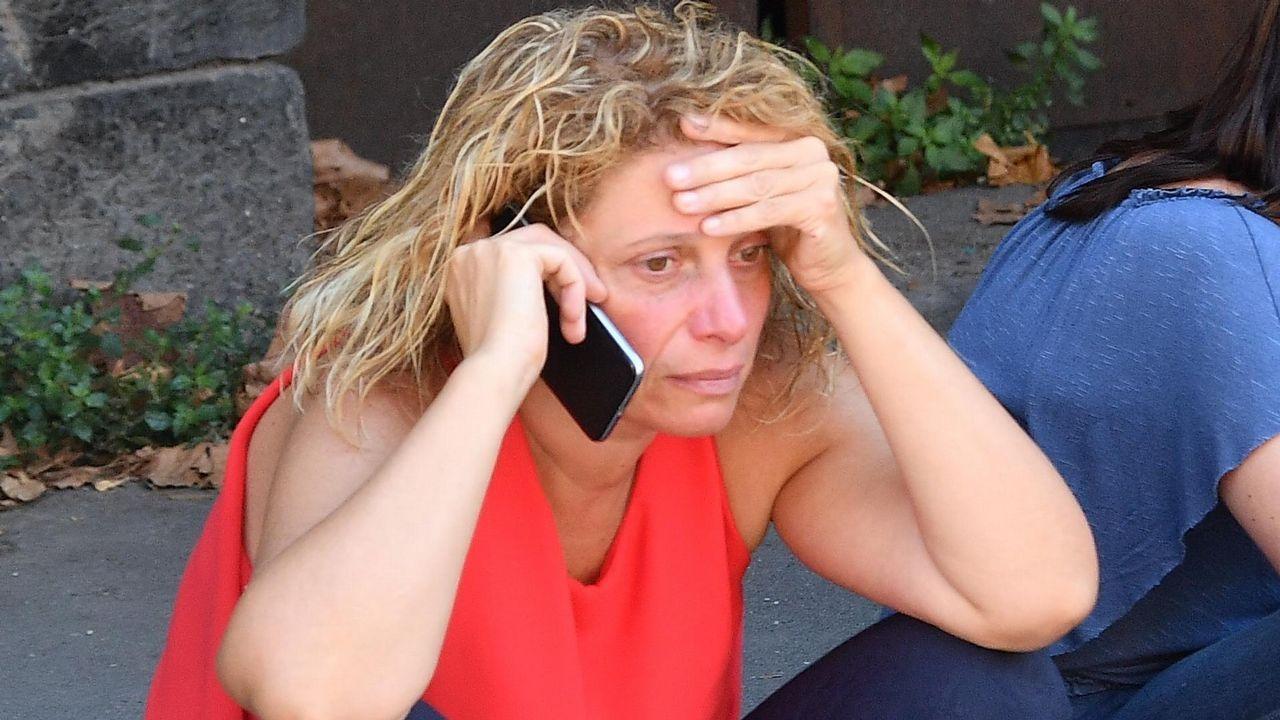 Una mujer desplazada tras el derrumbe
