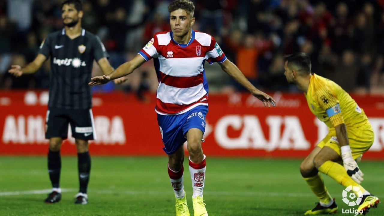 Pozo celebra su gol ante el Almería