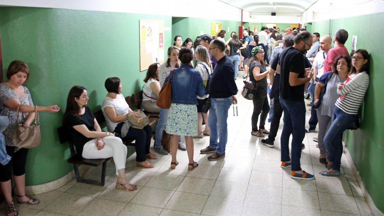 Galicia da otra oportunidad a Bautista.La escultura 'La madre del emigrante', en Gijón
