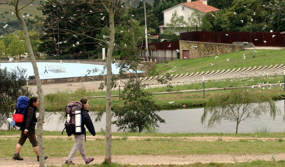 El lago ganará protagonismo cuando sea habilitado para el baño.