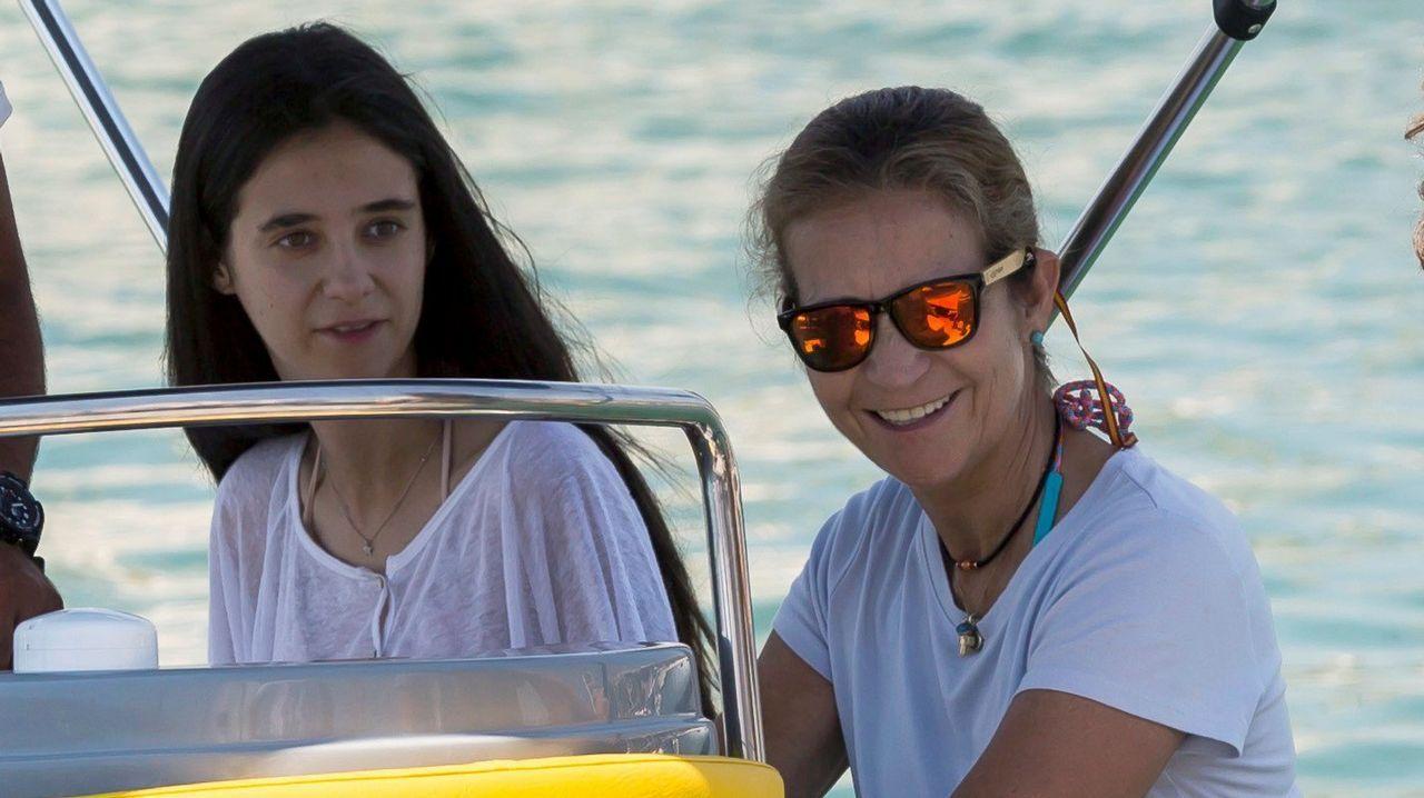 La reina Sofía cumple 80 años.Las reinas Letizia y Sofía en Mallorca junto a la Infanta Sofía
